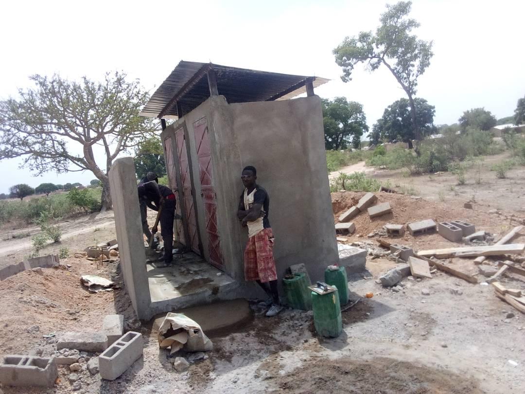 latrines publiques à Soloba